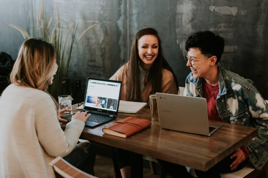 réseautage freelance discussions coworking