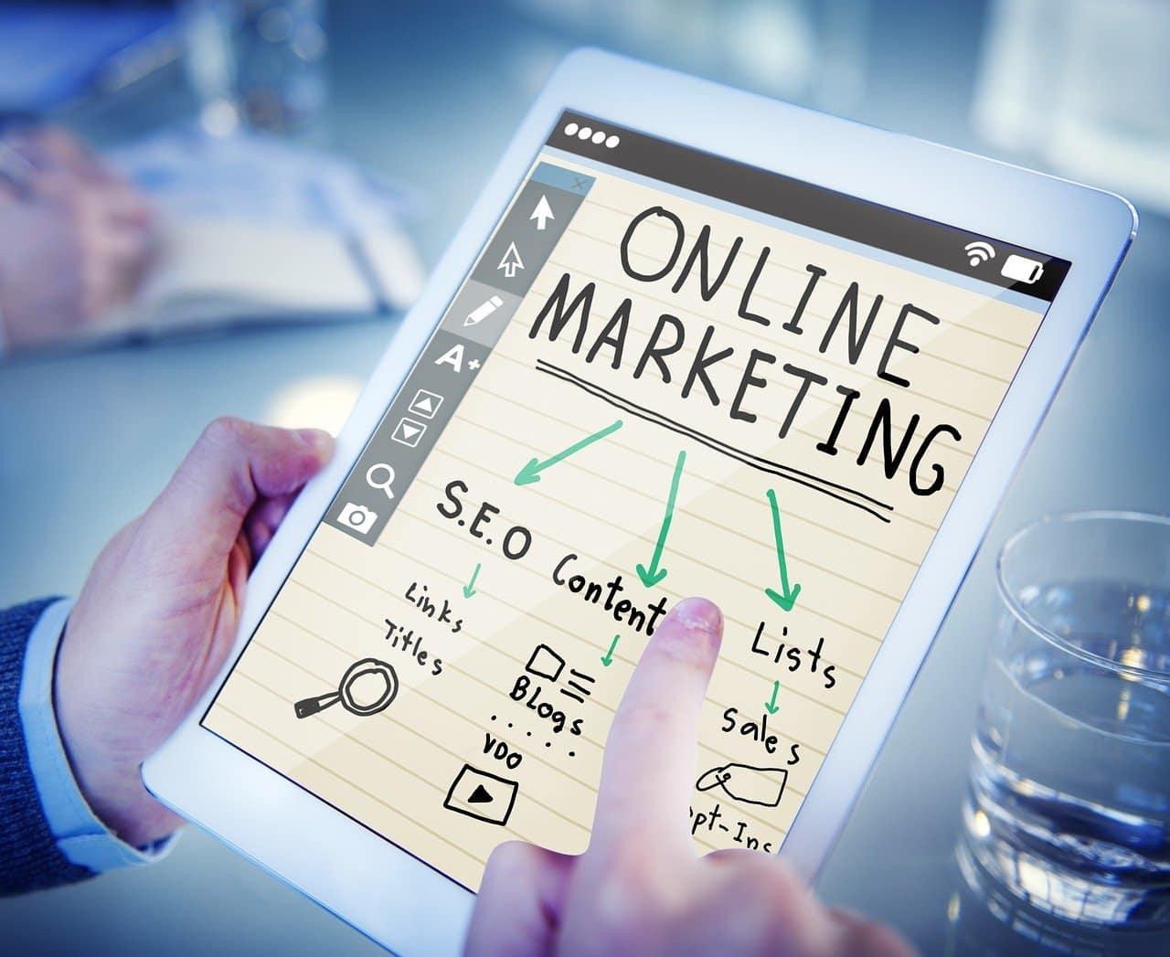 Une mailing list s'inscrit dans une stratégie de marketing globale